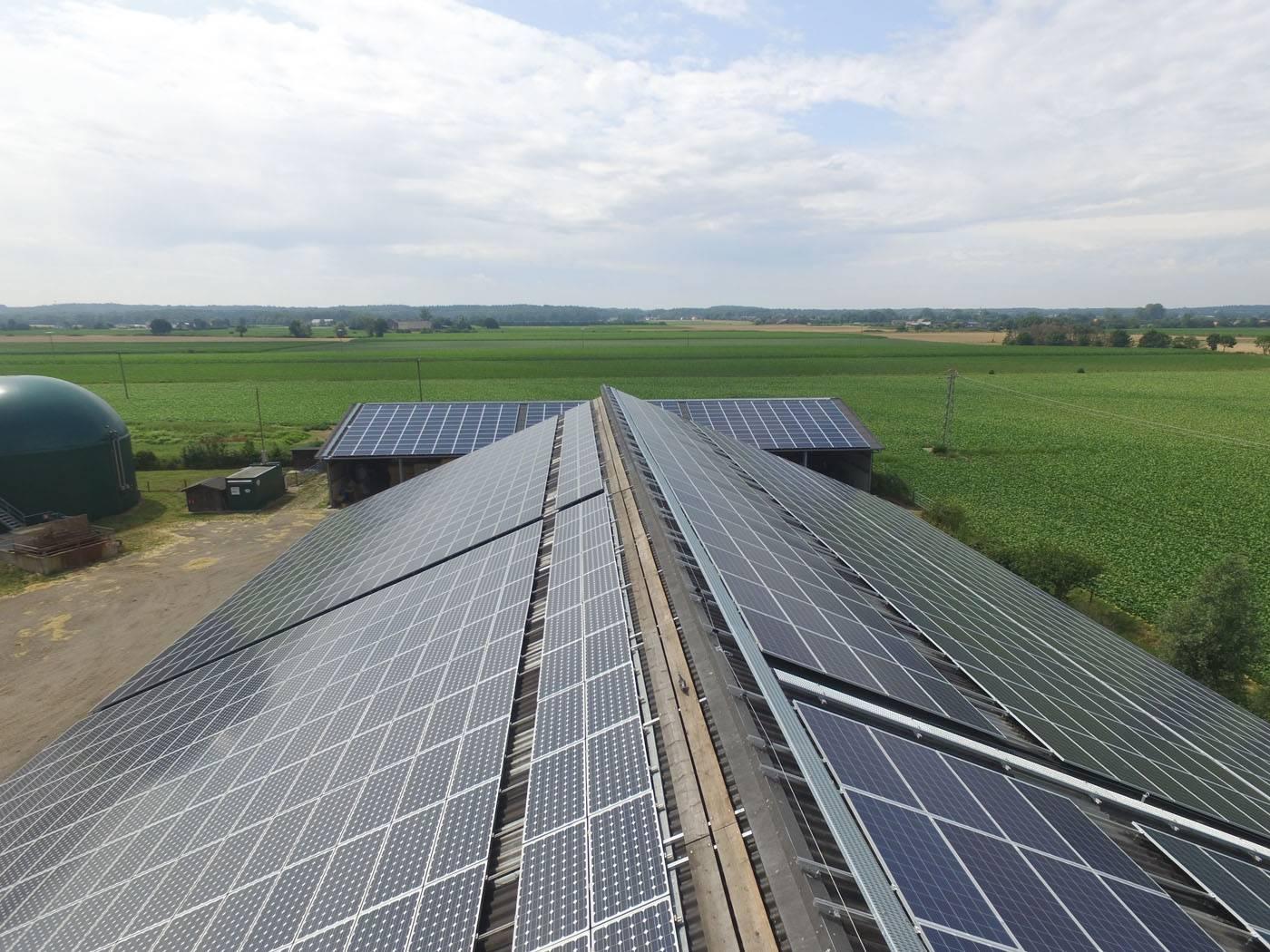 Solaranlagen Referenzen - PV-Service GmbH | Bauernhof Heisterkamp in Bedburg NRW