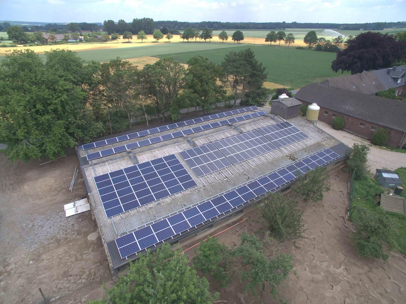 Solaranlagen Referenzen - PV-Service GmbH | Hühnerhof in Kevelaer in NRW